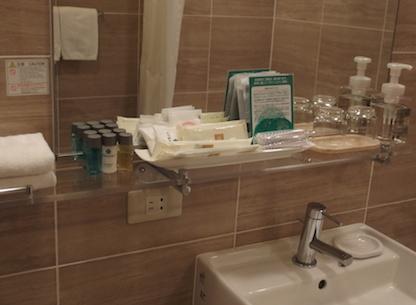 バスルームの棚
