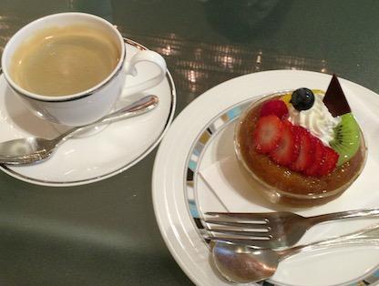 ケーキ(サバラン)