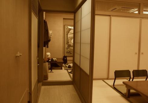 三進個室2