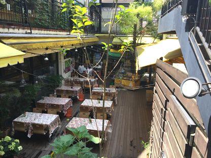 クレヨンハウスのカフェ2