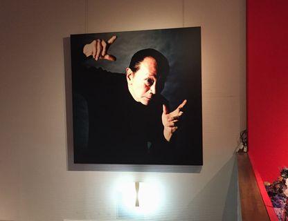 岡本太郎の肖像写真