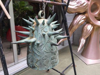 岡本太郎記念館の鐘