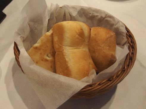 カゴのパン