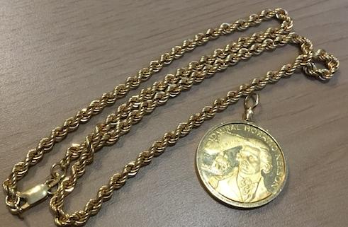 金のコインアクセサリー