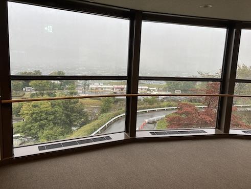 釈迦堂博物館の窓